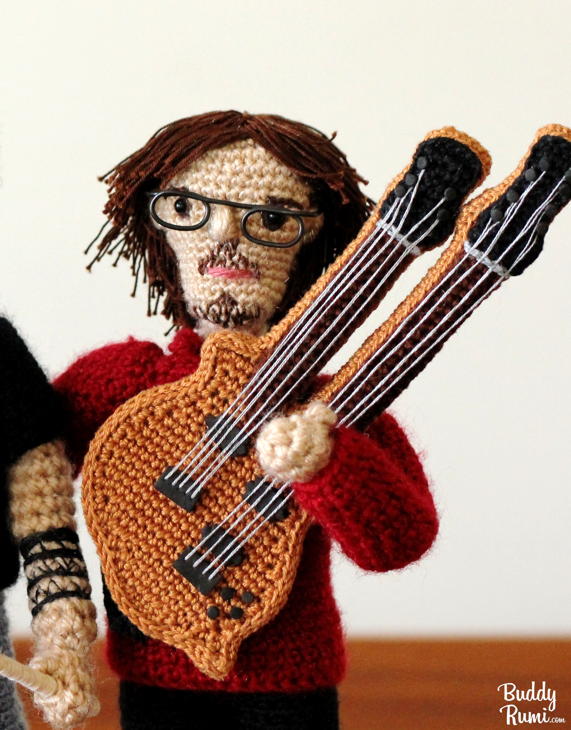 Amigurumi guitar player