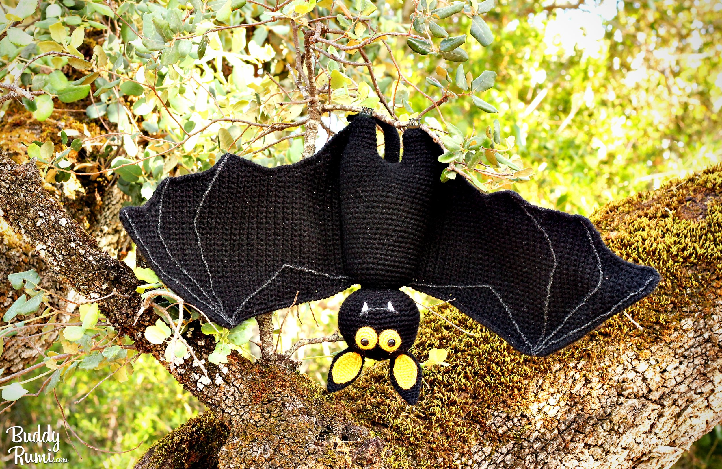 Amigurumi bat crochet pattern