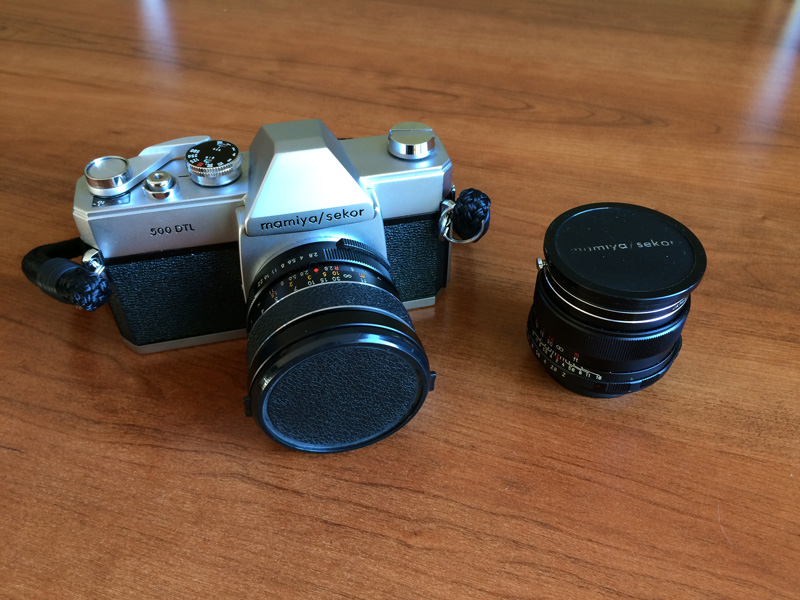 500DTL: 28mm attached, 50mm to the right