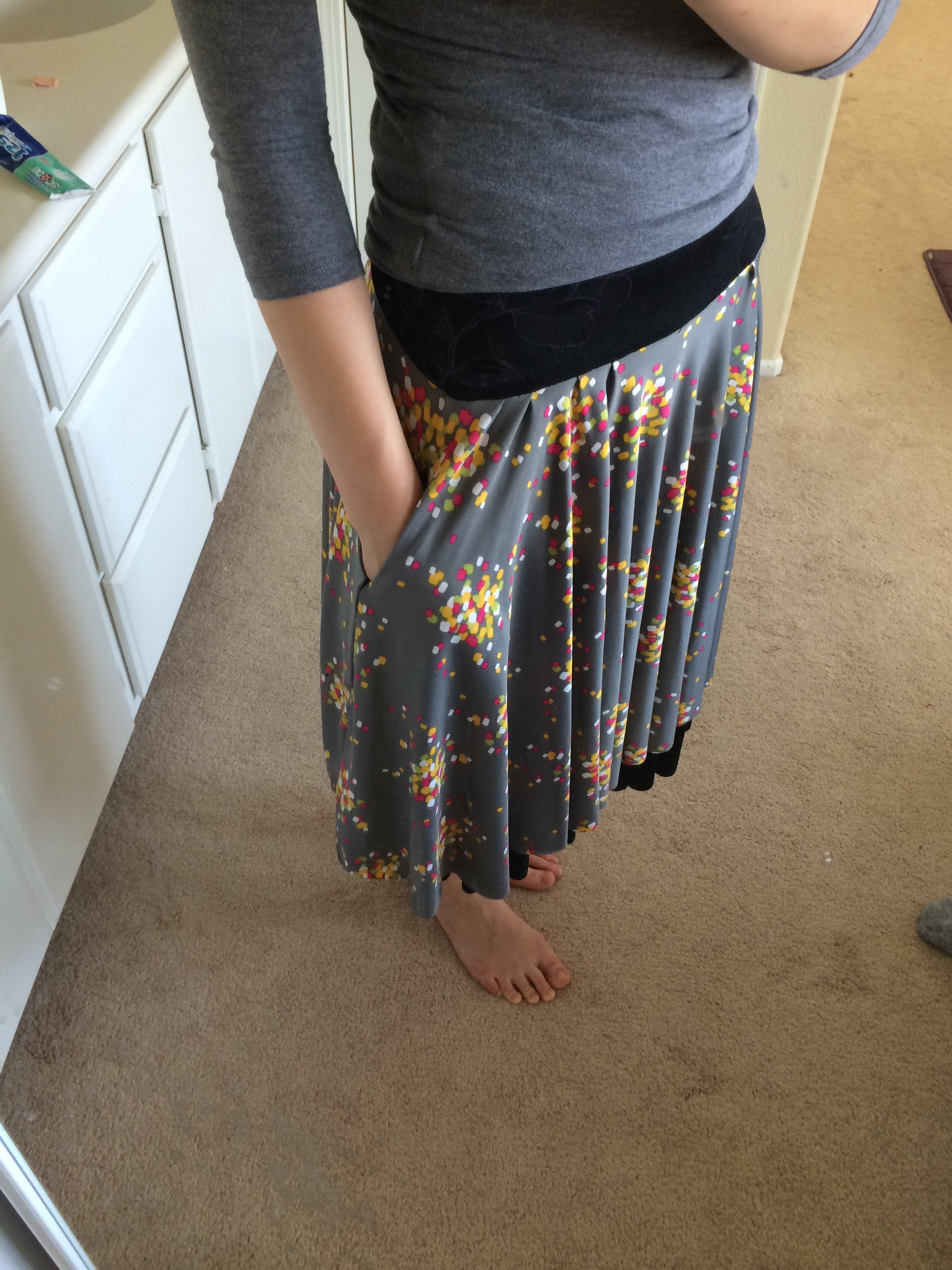 Showing off the pockets. This time I had two inseam pockets on the sides of the skirt instead of the waistband seam.