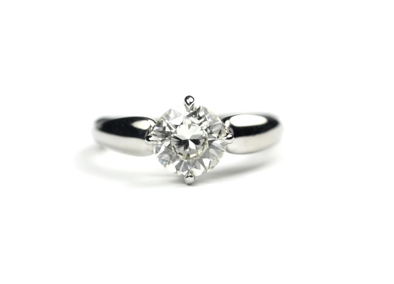 Curvy Diamond Ring
