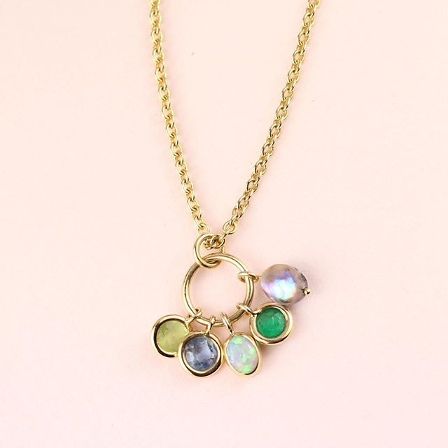 In the Loop Necklace!💫Keep the Birthstones of your favorite people (and pets 😻 🐶) all in one necklace! ⠀ .⠀ .⠀ .⠀ .⠀ .⠀ .⠀ .⠀ .⠀ #18ktgold #birthstone #pendant #intheloop #custom #handmadejewelry #juliuscohen #madeinnewyork #petbirthstones #birthstonecharm  #keepsake #bff #friendsandfamily #custom #customforchristmas #customizablejewelry