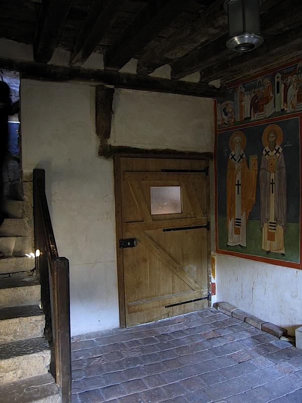 Vezelay-Narthex-Wall-1-00-800px.jpg