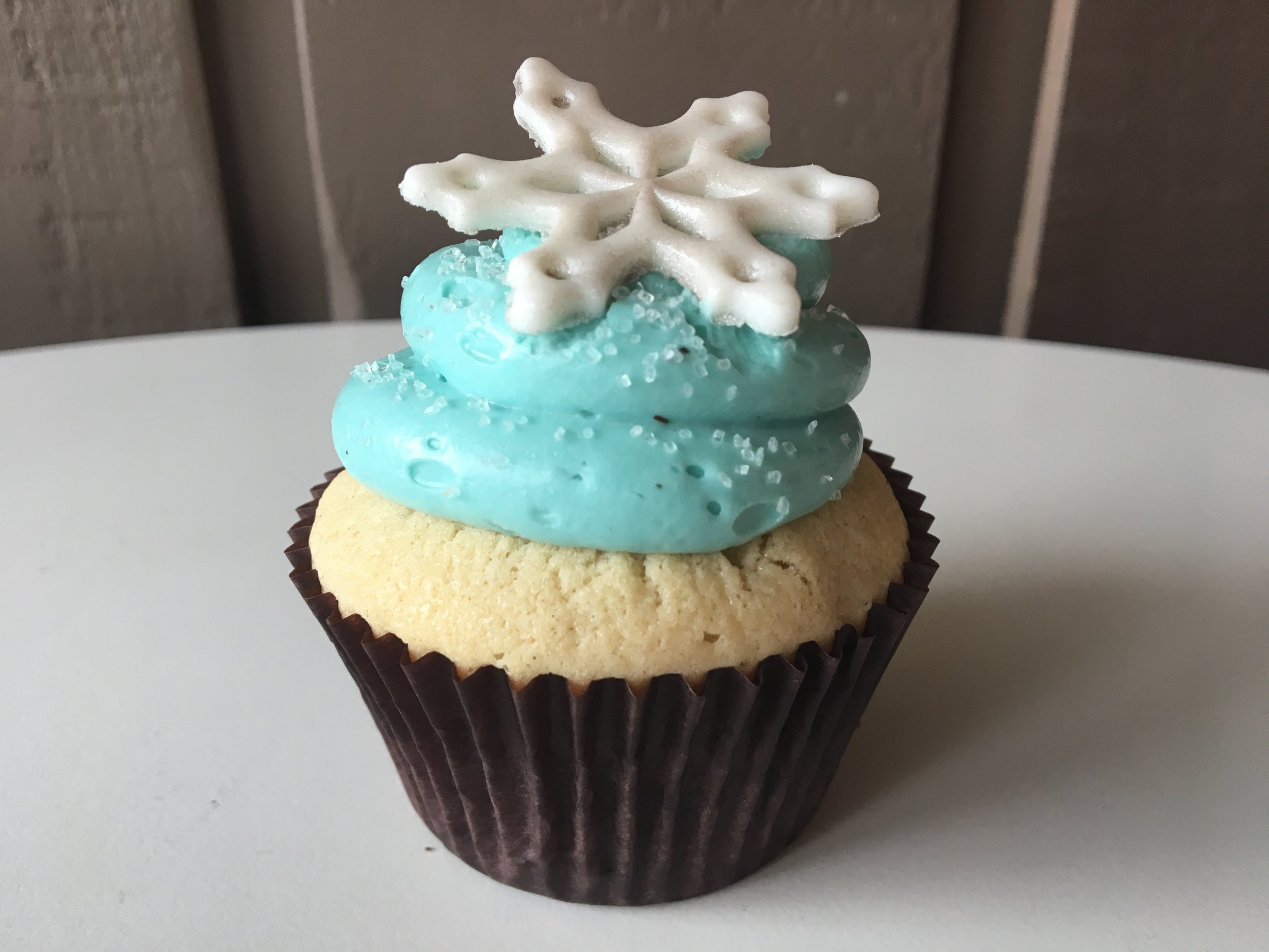cupcake holiday snowflake