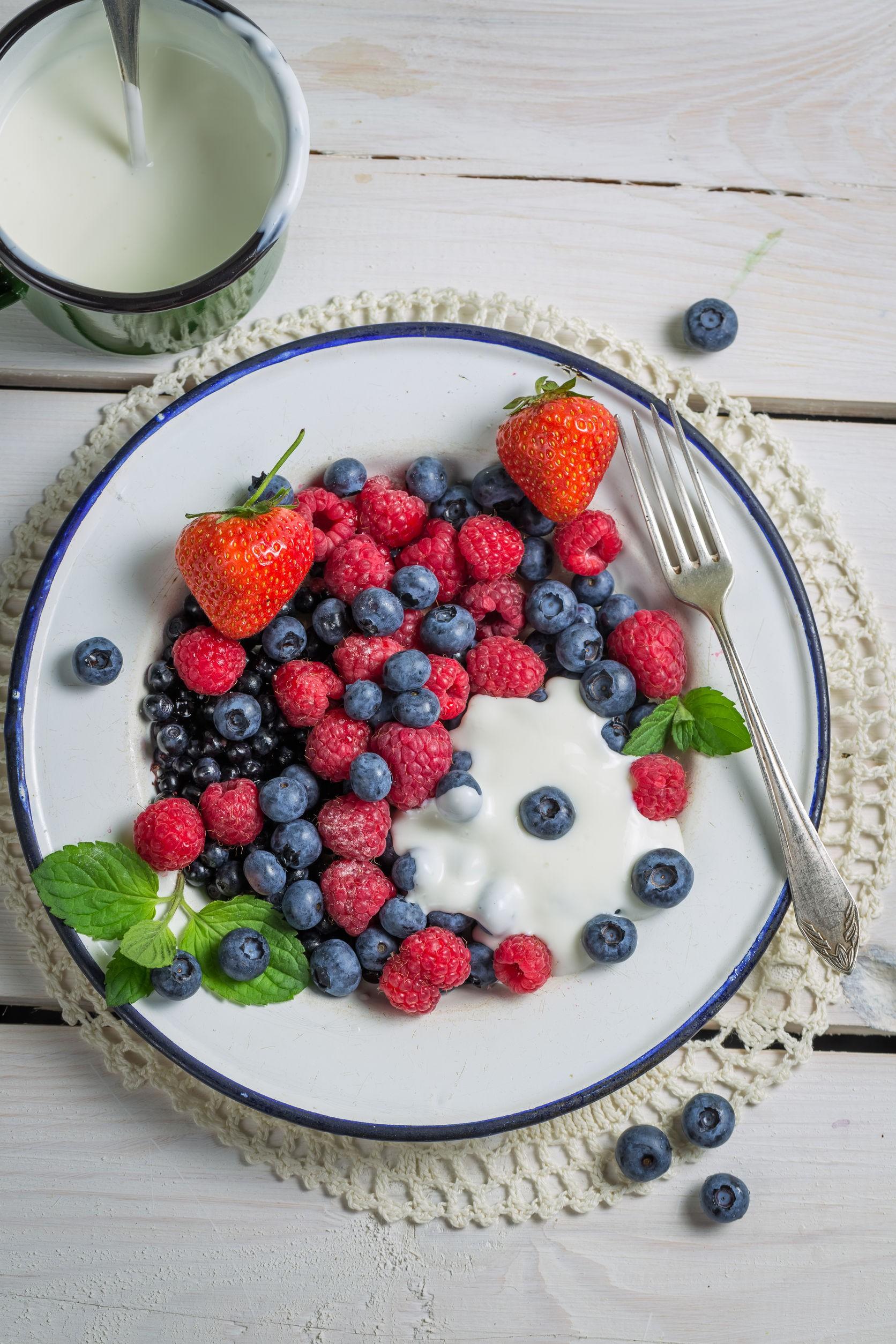 Berries Yogurt.jpg