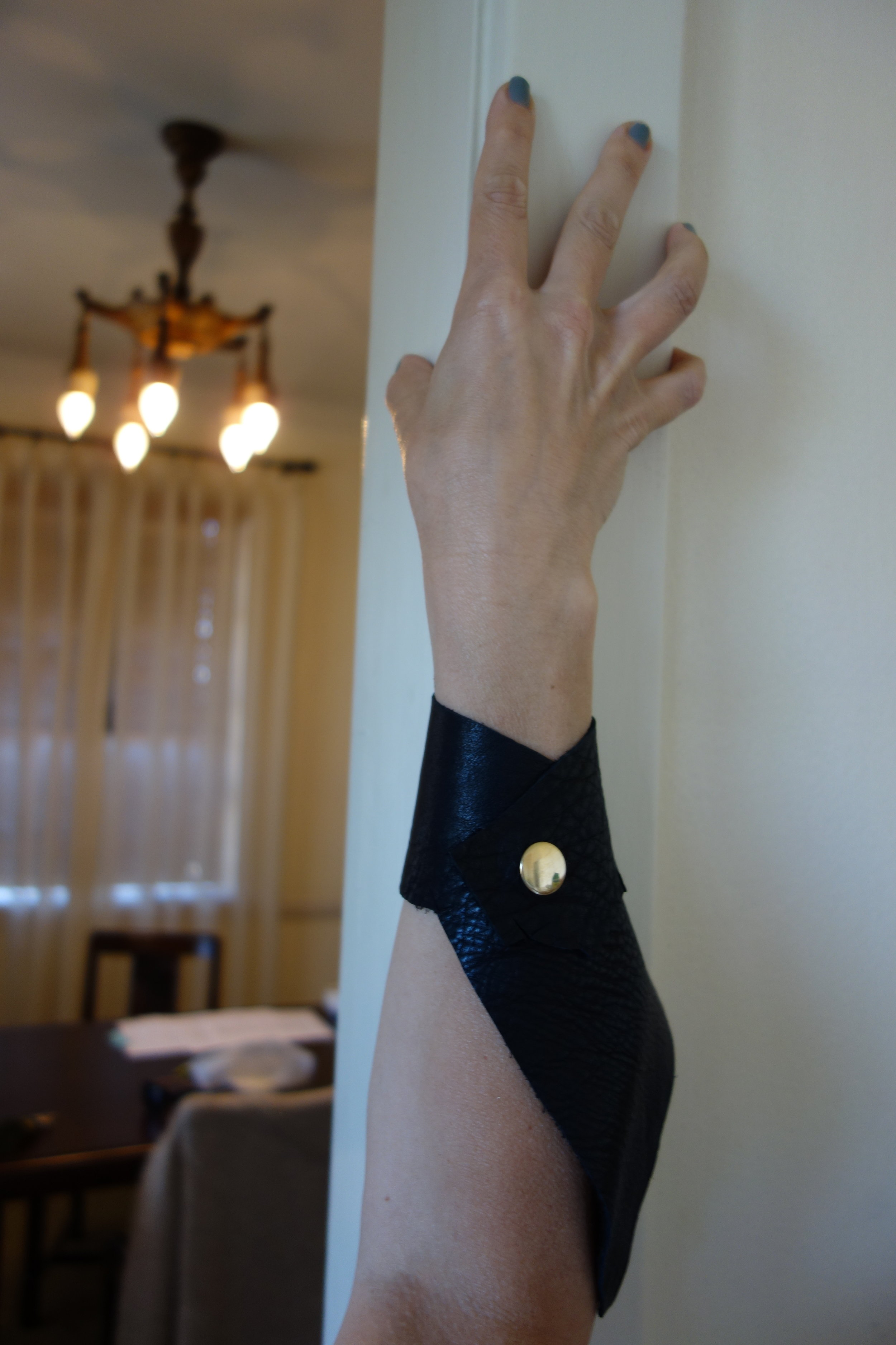 J.Elster The Jagged Cuff in Black
