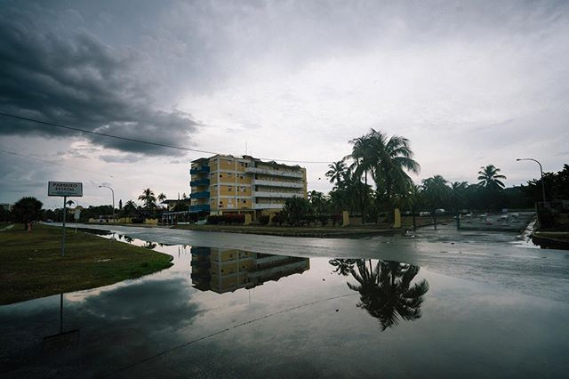 Rainy day meanderings along the suburbs of #Havana.