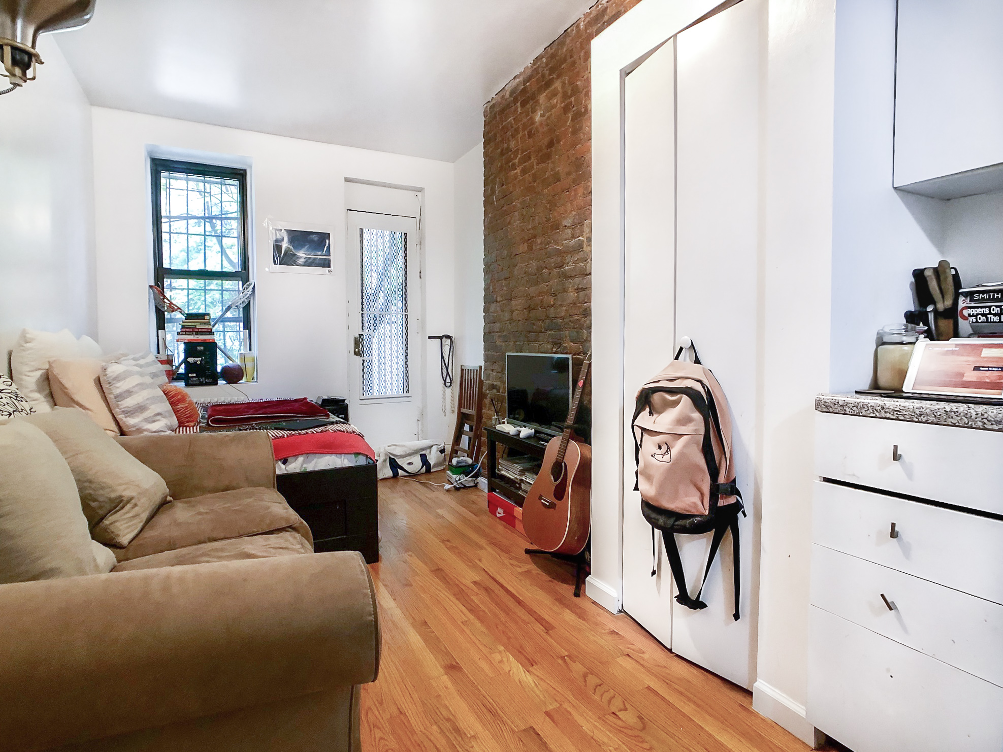 236 E 7 Street #1D - Charming Studio with shared outdoor space!Located in a walk up building on a quiet block of East village. Close to public transportation, cafes, shops and night life!Rent: $1,700 /monthTerms: 12 - 12 MonthsAvailable: Immediate