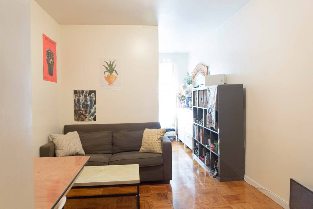335 W 29 Street #1B - Large & Bright Studio in Chelsea! Gorgeous unit features great closet space, great of natural light, spacious living space with separate sleeping area! Located just one flight up the stairs.Rent: $2,100 /monthTerms: 12 - 12 MonthsAvailable: August 1st, 2019