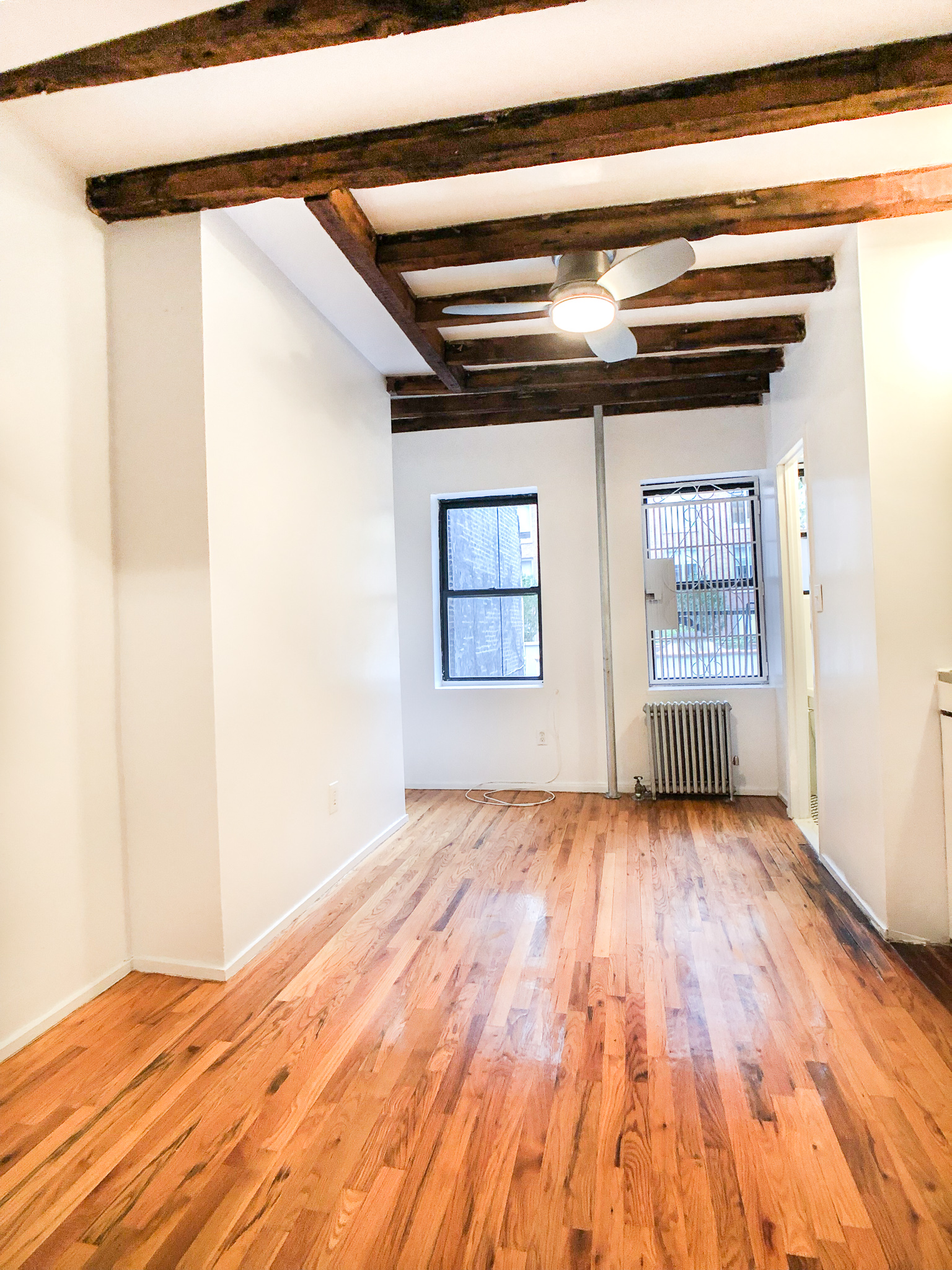 531 E 13 Street #6 - Spacious & Bright Studio in East Village!Bright studio offers high ceilings, hardwood floors, exposed brick as well as open kitchenette. Located in a charming walk up building on a quiet block of East village. Close to public transportation, cafes, shops and night life! Rent: $1,900 /monthTerms: 12 - 12 MonthsAvailable: Immediate