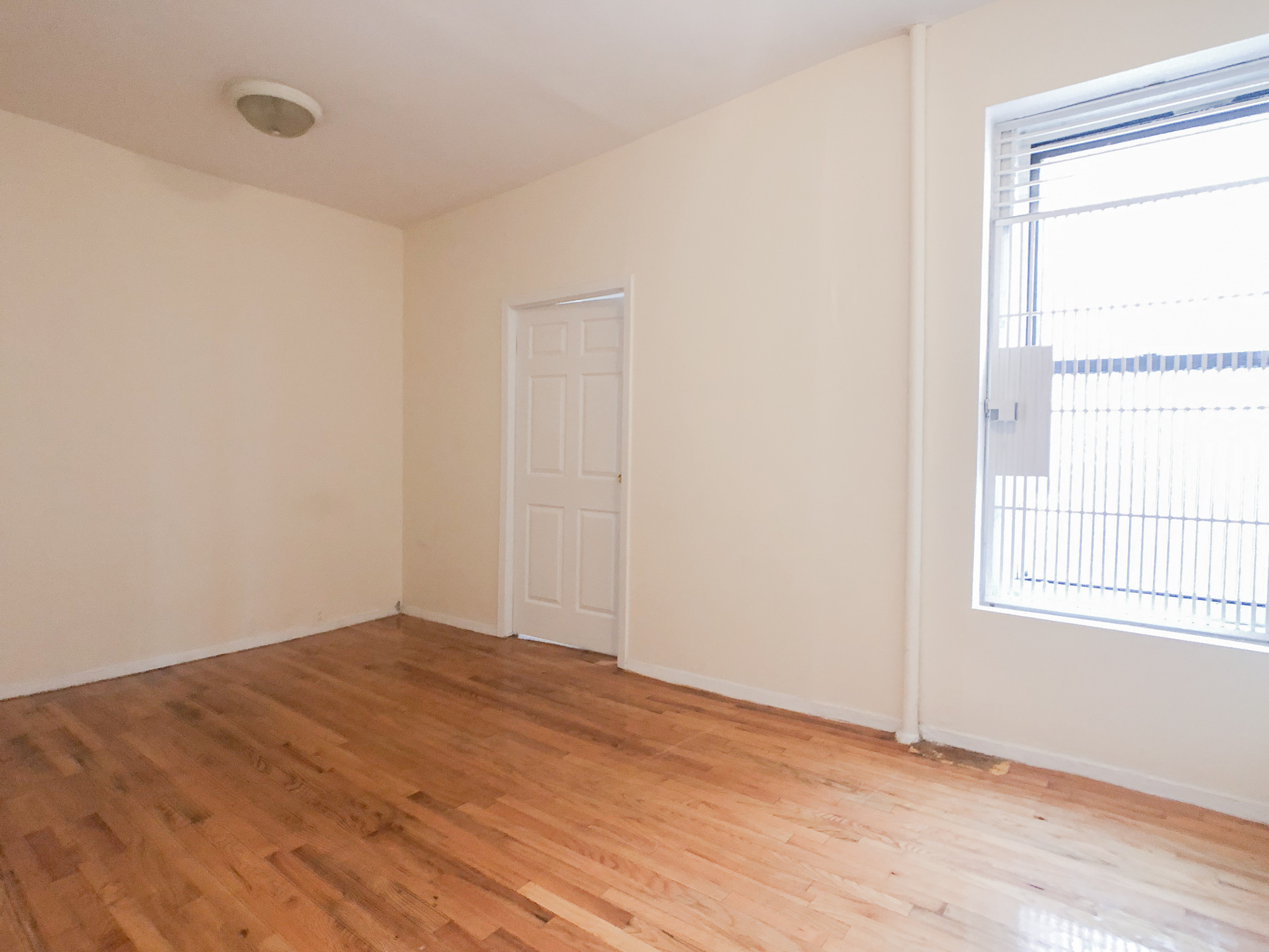 700 E 9 Street #5 - Charming One bedroom in East Village. The unit features large living space, Queen size bedroom, hardwood floors, exposed brick and windowed kitchen with stainless steel appliances. Located just one flight up the stairs in a pet friendly building with live-in super. Rent: $2,495 /monthTerms: 12 - 12 MonthsAvailable: Immediate