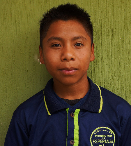 Yefri Ramos:  Es muy amoroso, le encanta el futbol que cuando sea grande quiere ser como Cristiano Ronaldo.