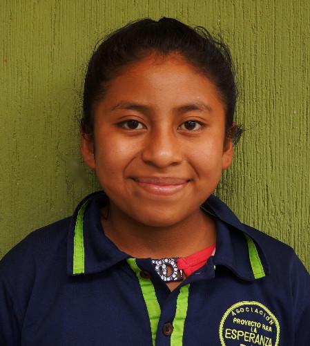 Reina Sanai:  Le gusta hacer muchos amigos, le gusta jugar futbol y su materia favorita es comunicación y lenguaje.