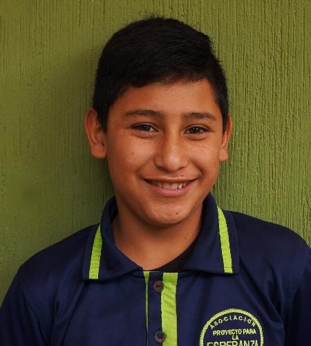 José Martínez:  Es muy servicial y atento con las personas, cuando sea grande quiere ser sargento.