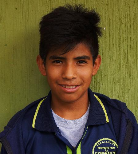 Allan Teletor:  Es muy sonriente y le gusta hacer muchas bromas y también le gusta jugar futbol y cuando sea grande quiere ser artista.