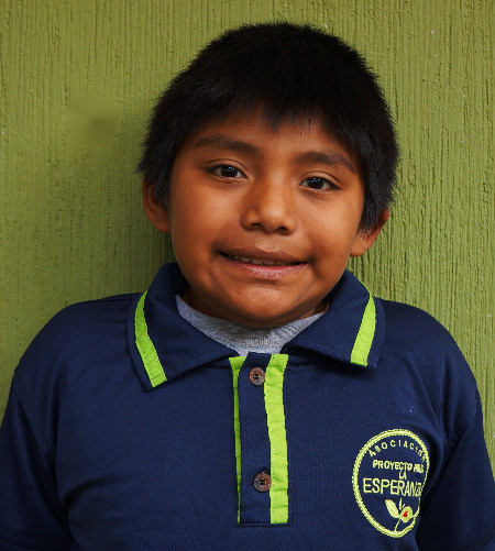 Denilson Gómez:  Conocido como Nicho le encanta el futbol y bailar rap cuando sea grande quiere ser un gran futbolista.