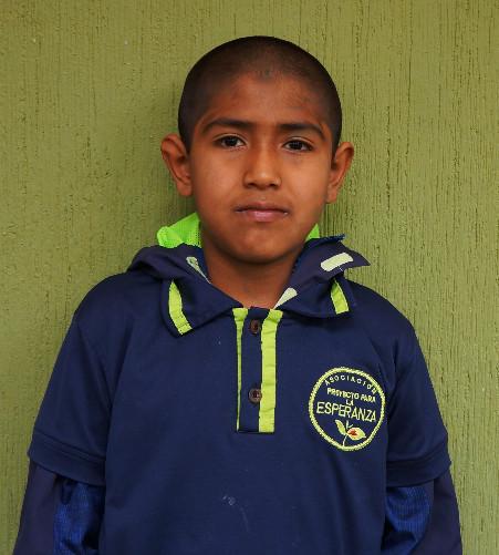 Brayan Chanta:  Quiere ser policía cuando sea grande y el desea aprender a tocar batería y tener su propia batería.