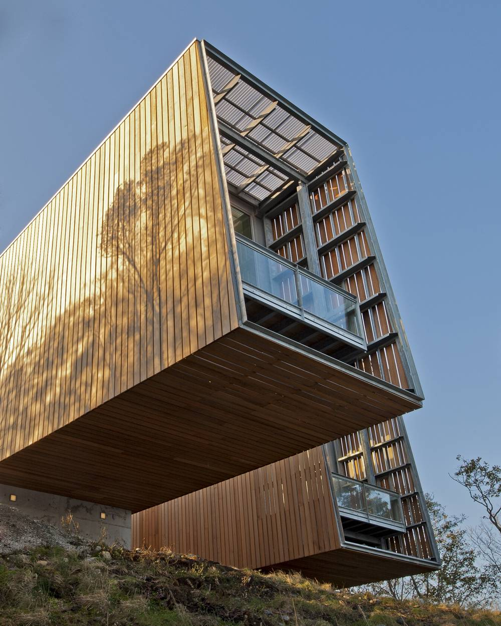 1455981285_cantilever-balcony-design-ideas-2.jpg