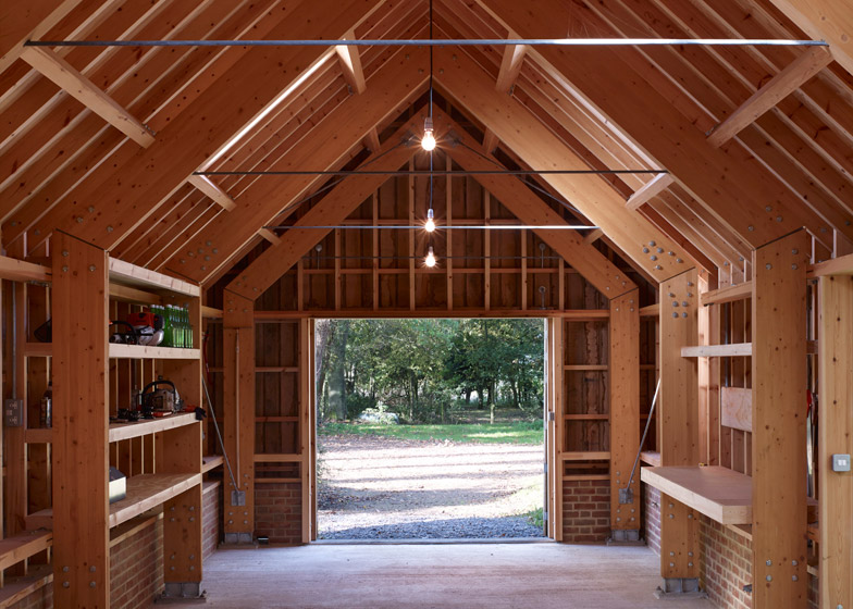 Long-Sutton-Studio-Cassion-Castle-Architects-Tom-Lloyd-Entrance-Timber-Frame-Humble-Homes.jpg