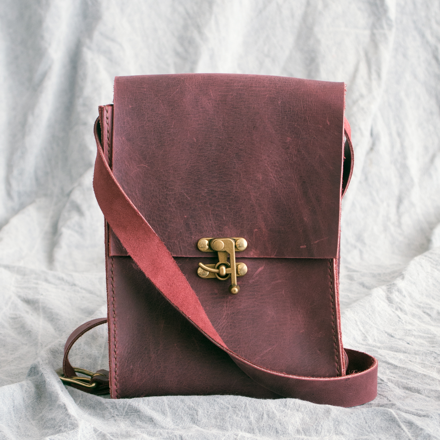 Lewesian Leathers Messenger Bags by 100Designs