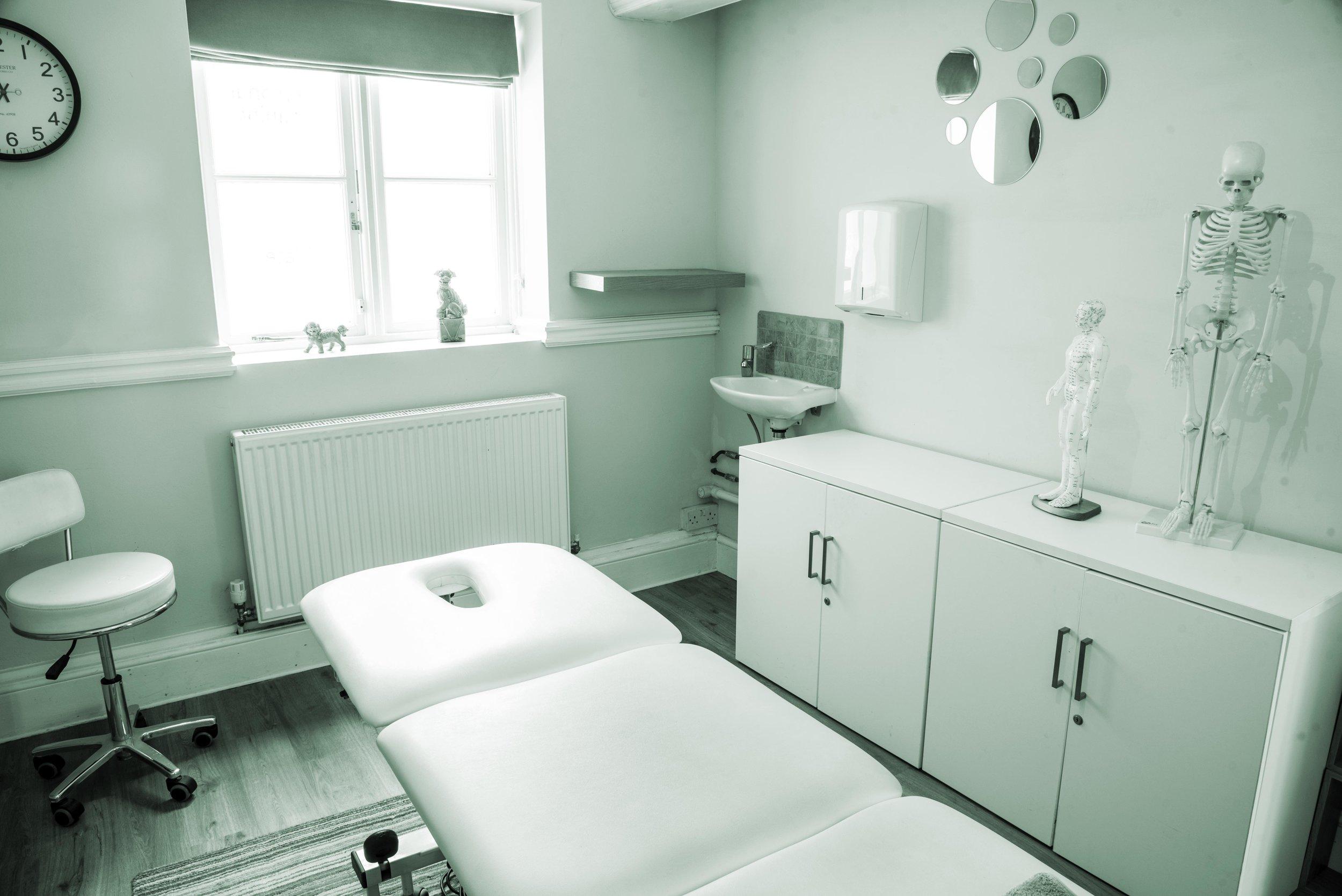 Treatment clinic at Linear Haywards Heath for web.jpg