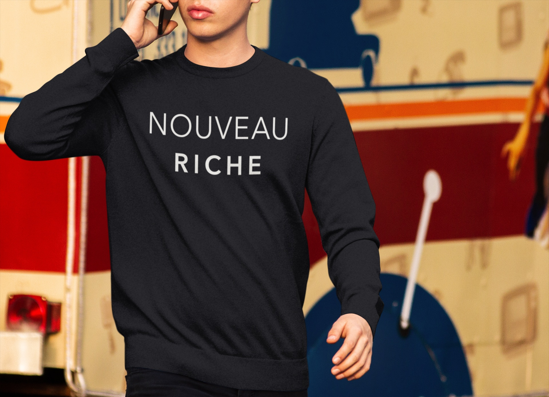 crewneck-mockup-of-a-young-man-at-a-food-truck-park-a9078.jpg