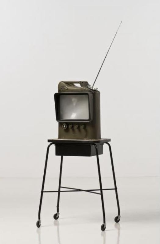 dward Kienholz, The Jerry Can, 1979, 117 x 45 x 28 cm, blandteknik