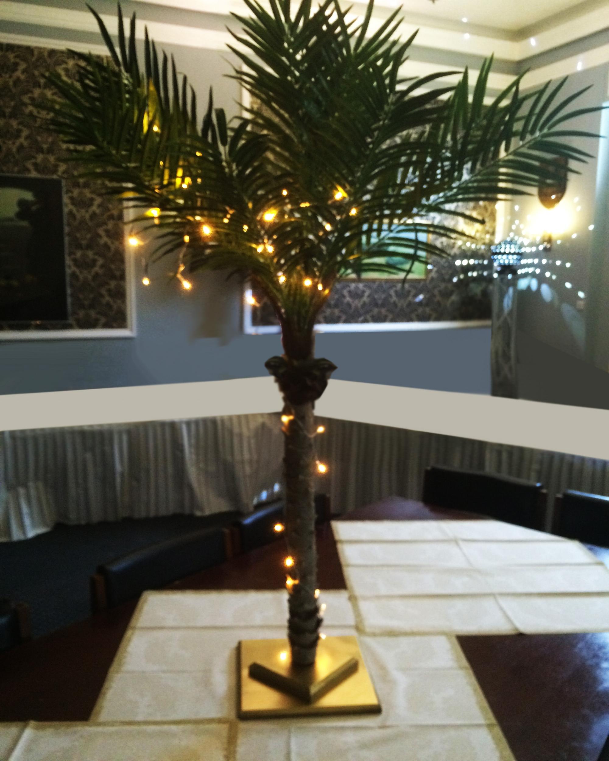 1920s Table centre  palm.JPG