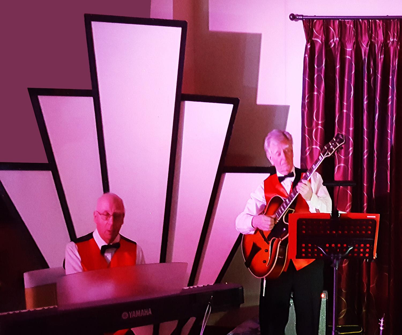 1920s - Jazz band and starburst.jpg