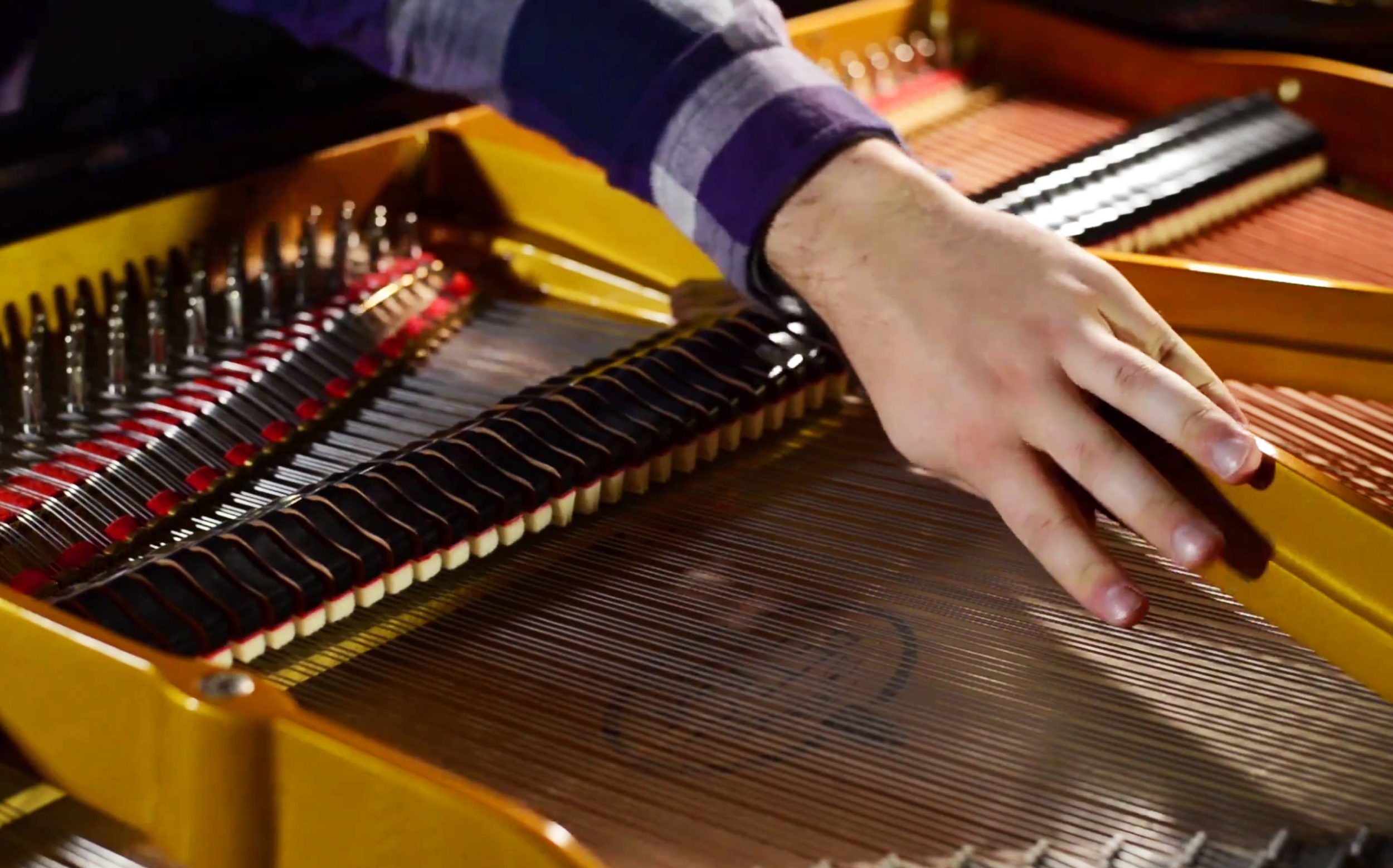 Piano harmonics at exact center of string