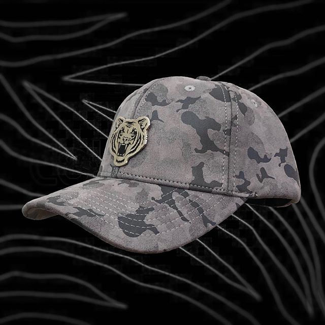 Just released !!! Brand new grey camo suede . Available www.Ricalyce.com and @alter_ego_montpellier_ 🇫🇷 . . .  #cap #greycap #suedecap #ricalyce #tiger #tigercap #luxuryheadwear #ukdance #ukhiphop