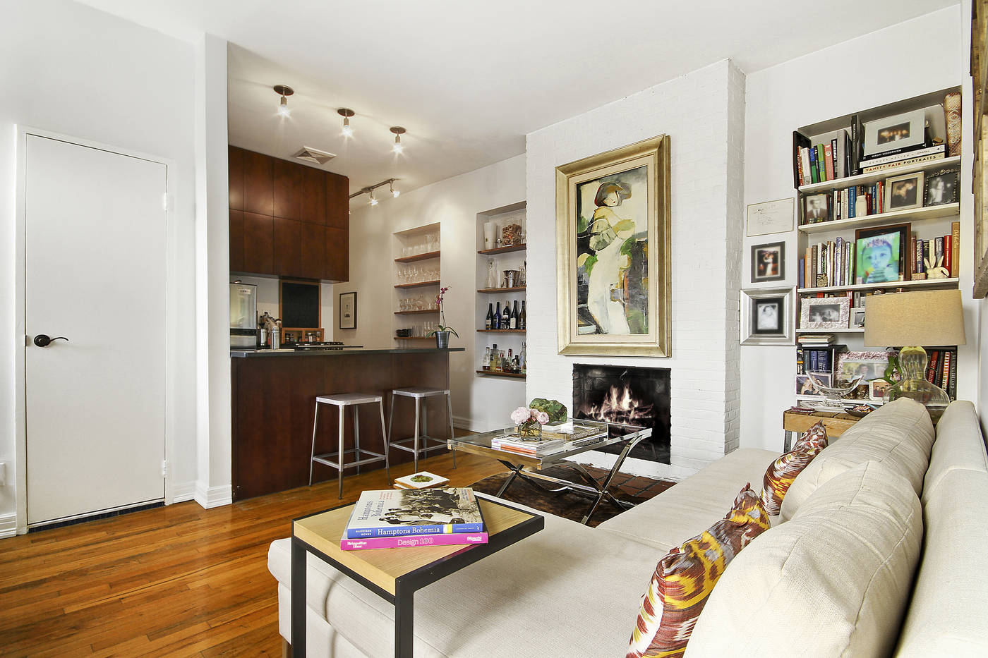 Chelsea Brownstone Apartment    (click on image for gallery)