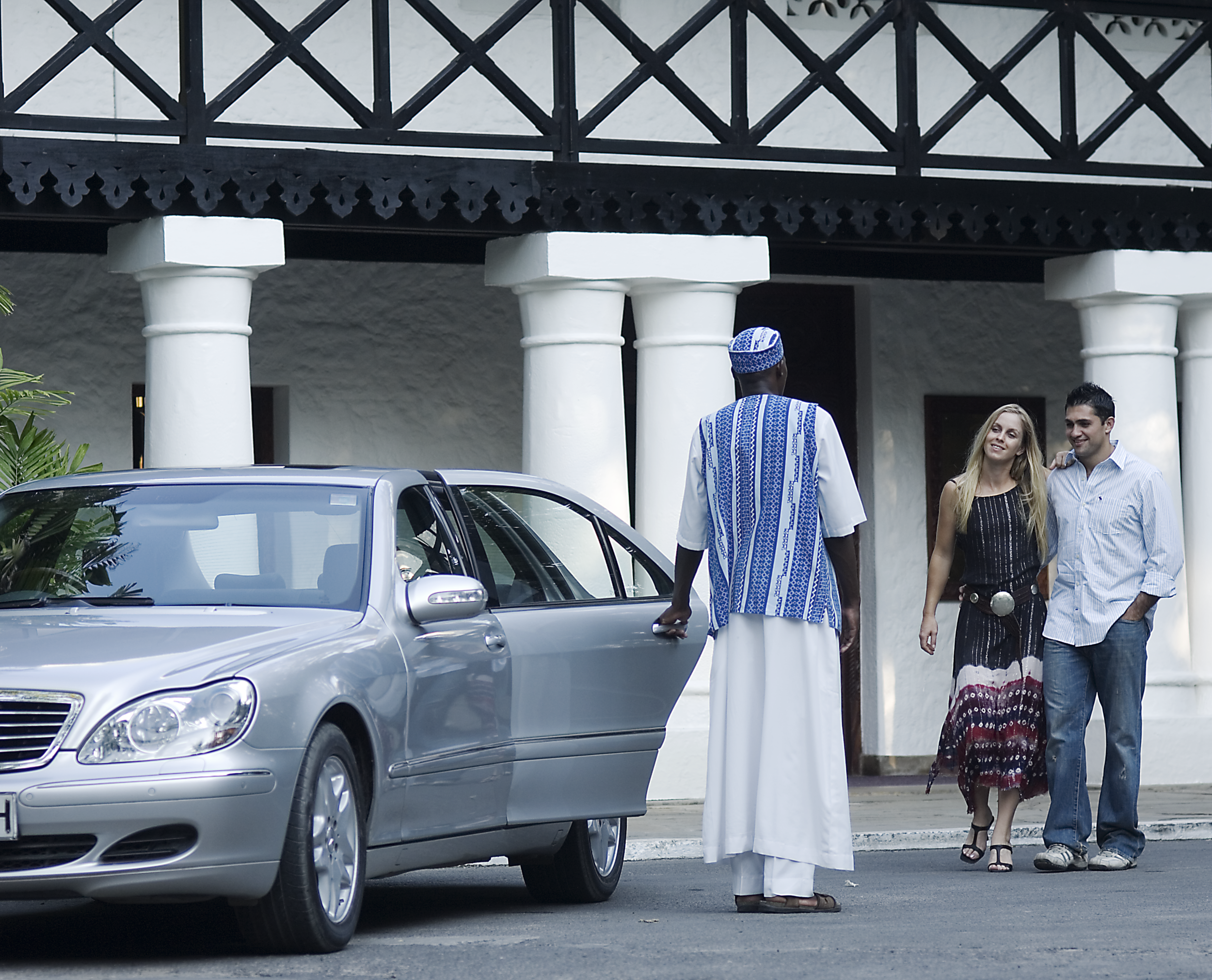 Airport Transfer Service © Serena Hotels