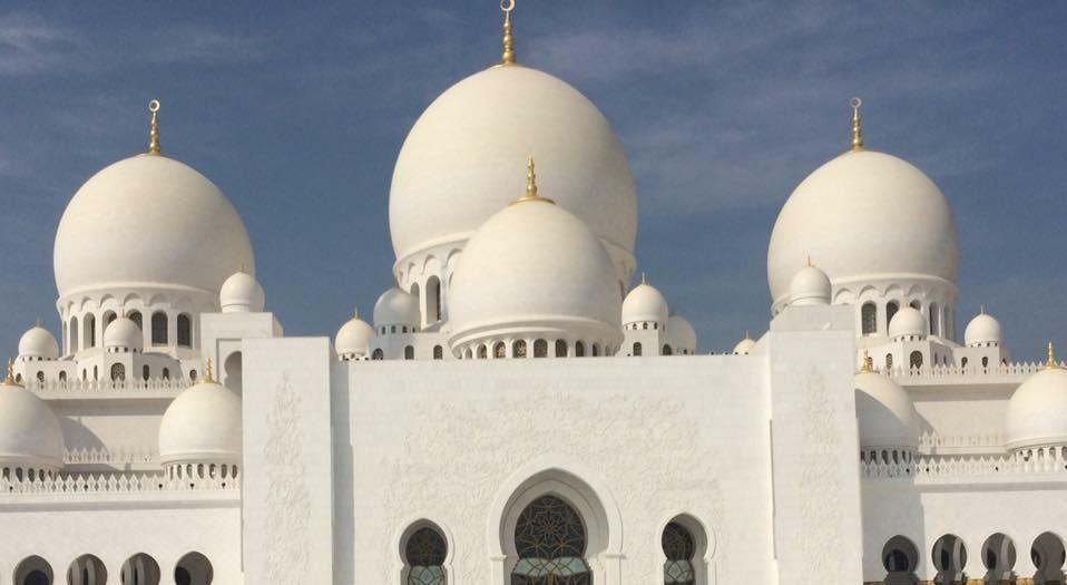 Sheikh Zayed Grand Mosque (جامع الشيخ زايد الكبير) Abu Dhabi, UAE © Flyga Twiga LLC