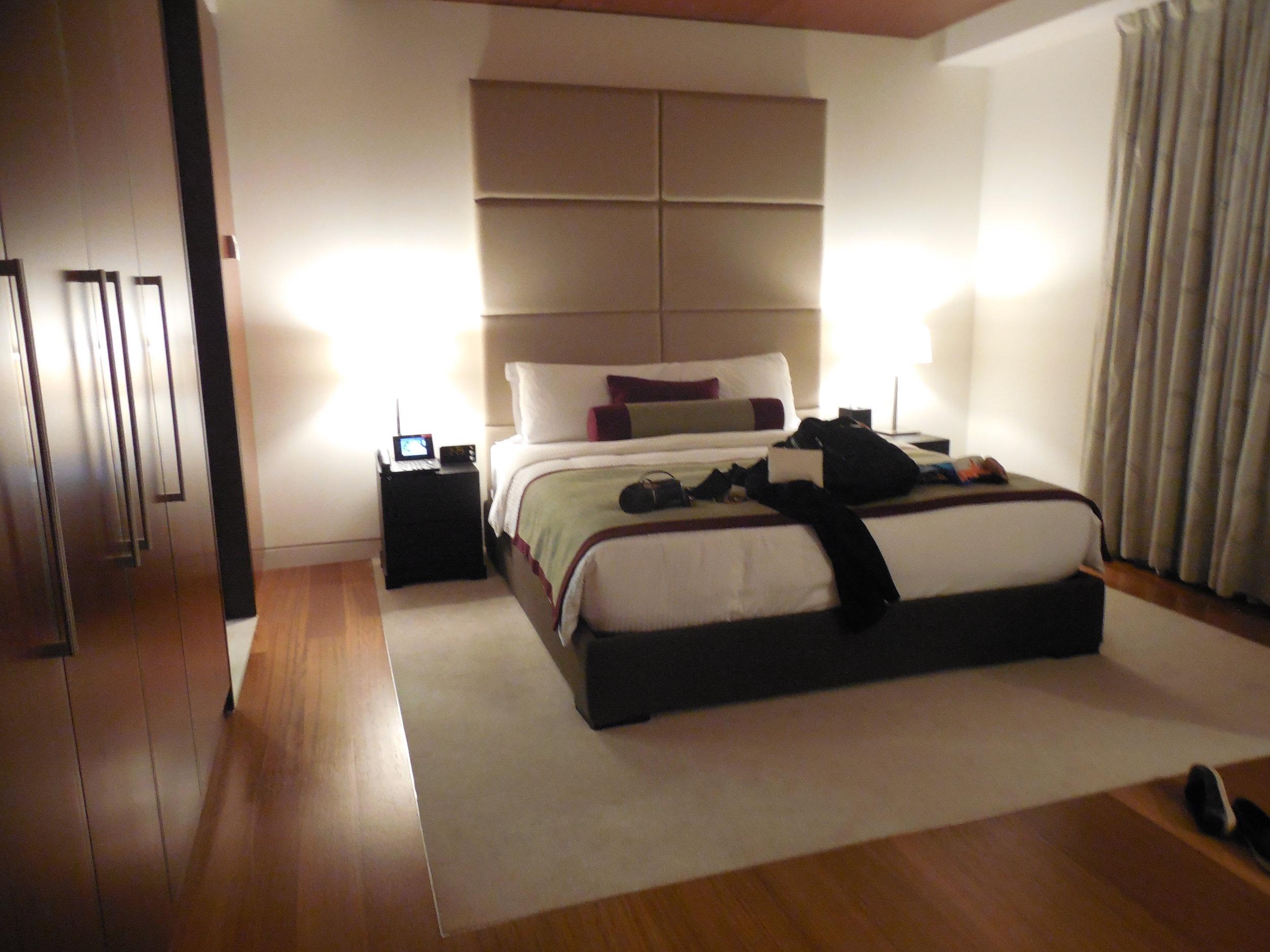 Suite Bedroom Oryx Airport Hotel © Flyga Twiga LLC