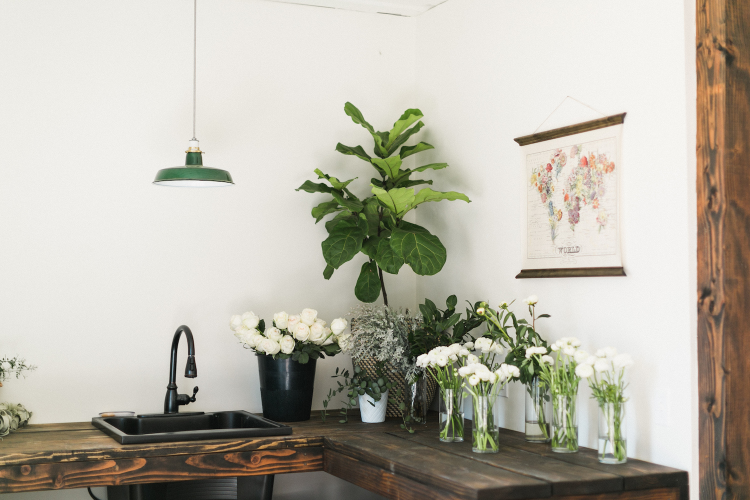 Compass Floral Studio photographed by Jackie Wonders.