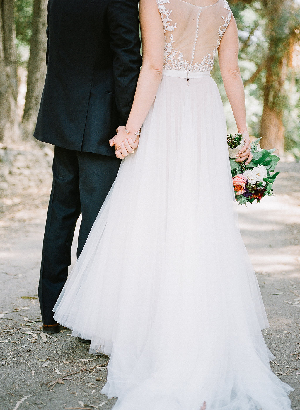 Bride and groom portrait| Fallbrook Treehouse | Compass Floral | Wedding Florist in San Diego and Southern California | Allie Lindsey Photography