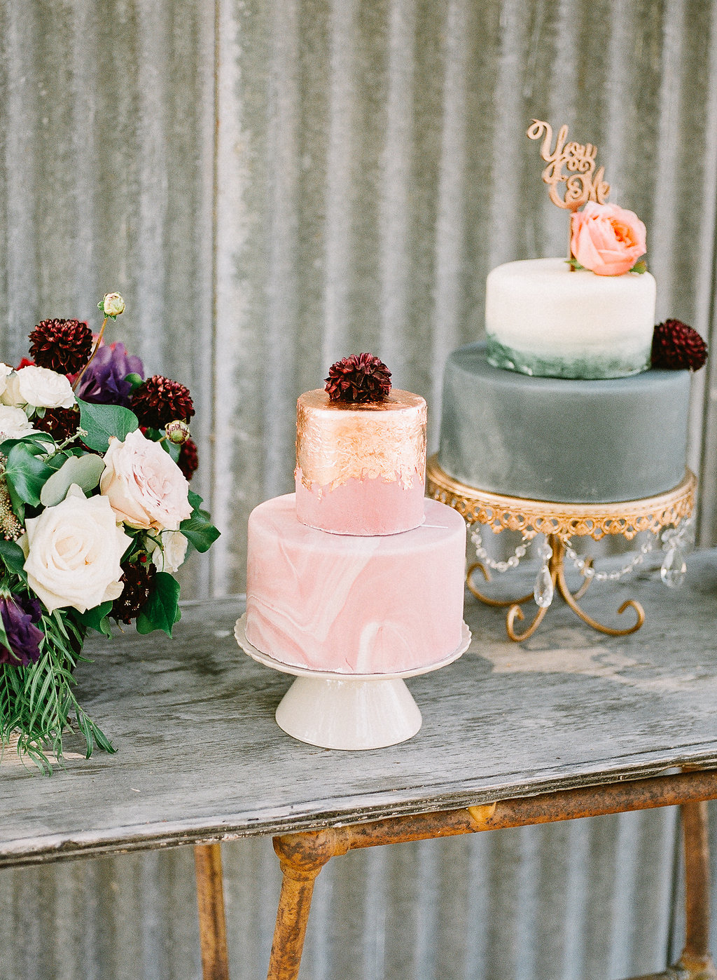 Blush marble wedding cake | Fallbrook Treehouse | Compass Floral | Wedding Florist in San Diego and Southern California | Allie Lindsey Photography