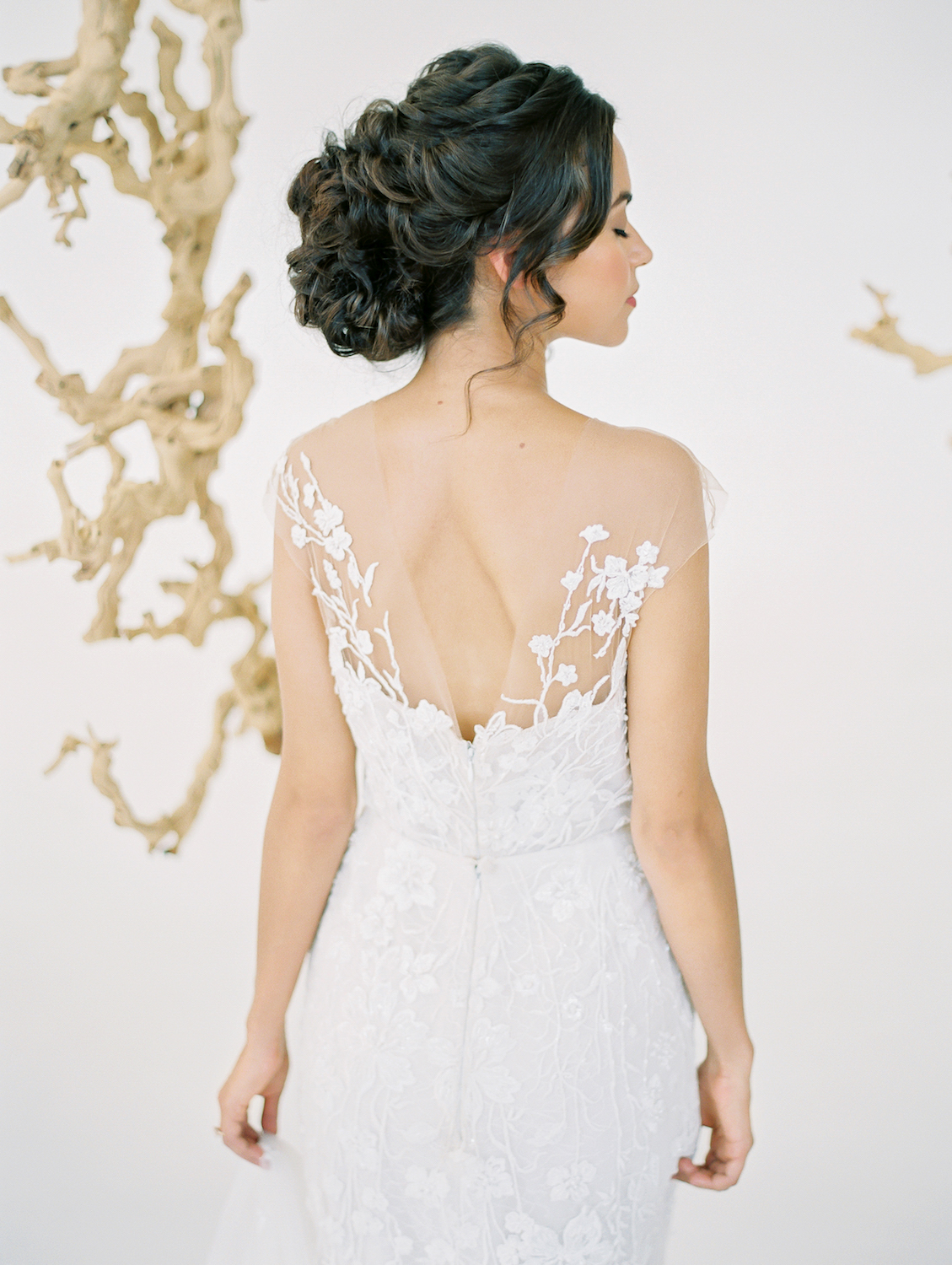 Elegant bridal updo | Studio 710 | Compass Floral | Wedding Florist in San Diego and Southern California | Dear Lovers Photography