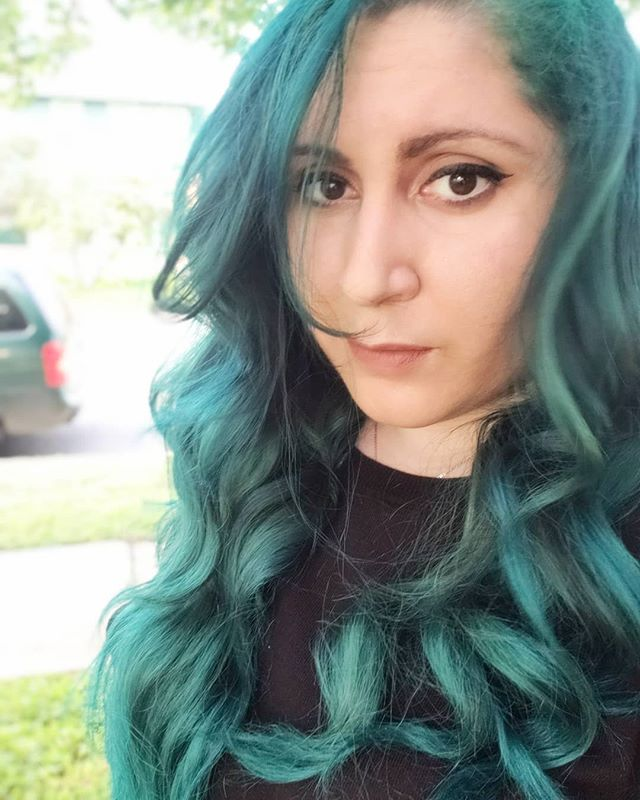 It took three days and 5+ processes but I'm back to teal! 💚💙💚 #sorryitsnotart #artistselfie