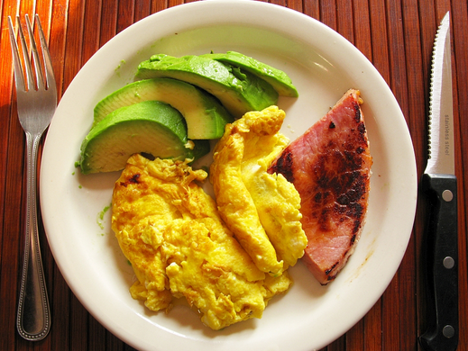 Simple & Yummy: Ham and Eggs plus Avocado or Some Fruit / Veggies You Like