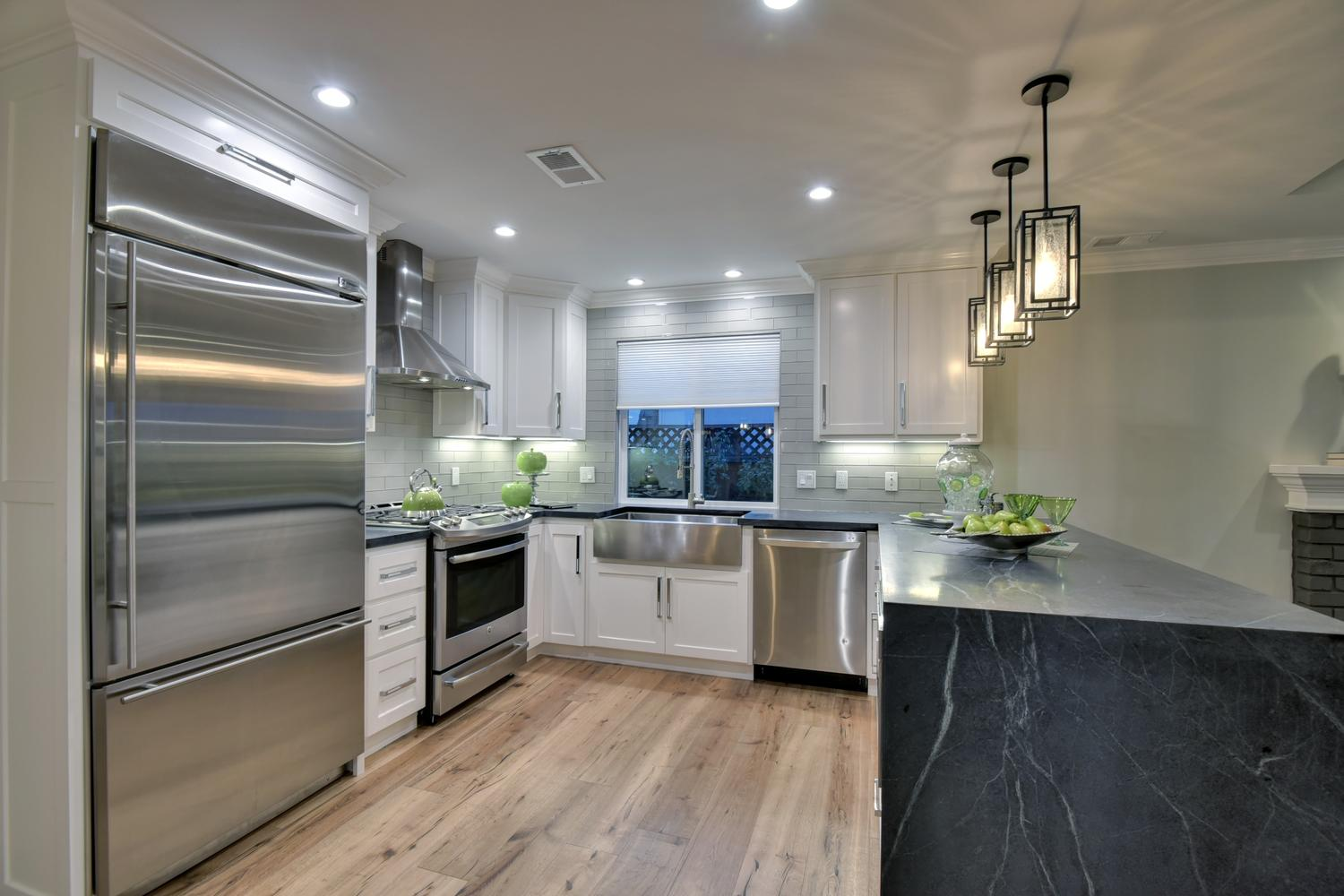 1028 Steinway Ave Campbell CA-large-020-24-Kitchen-1500x1000-72dpi.jpg