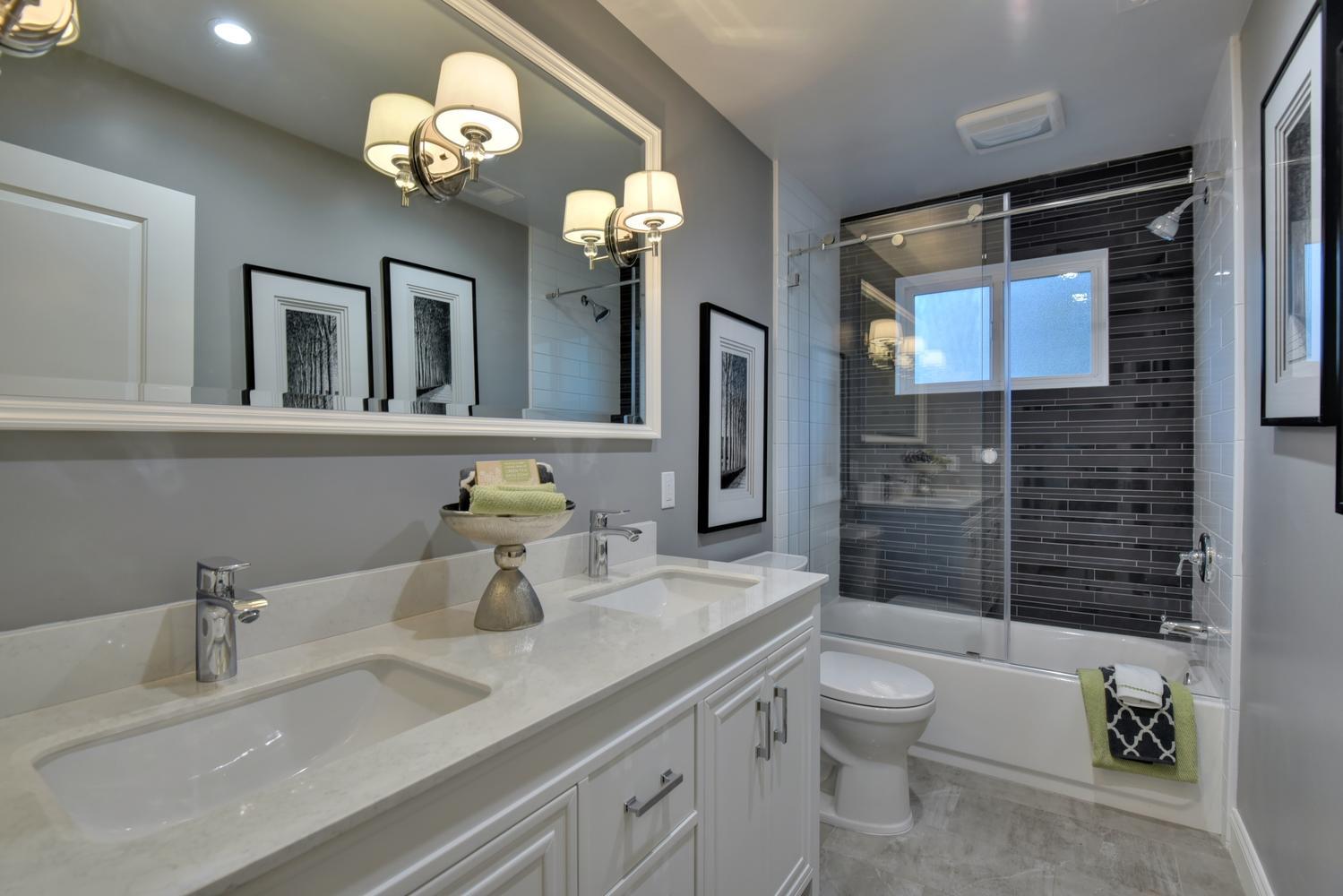 1028 Steinway Ave Campbell CA-large-031-25-Hall Bathroom-1499x1000-72dpi.jpg