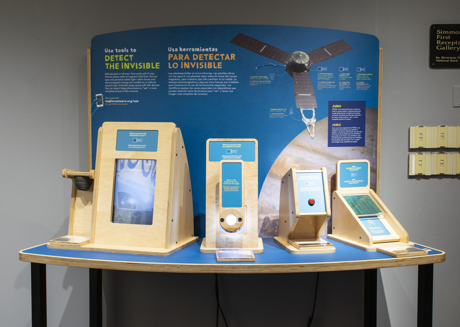 One of the stations in the Sun, Earth, Universe exhibitions lets visitors use an infrared camera, an ultraviolet (UV) light, a magnifying glass, and a magnetic field detector to reveal information not visible to human eyes.