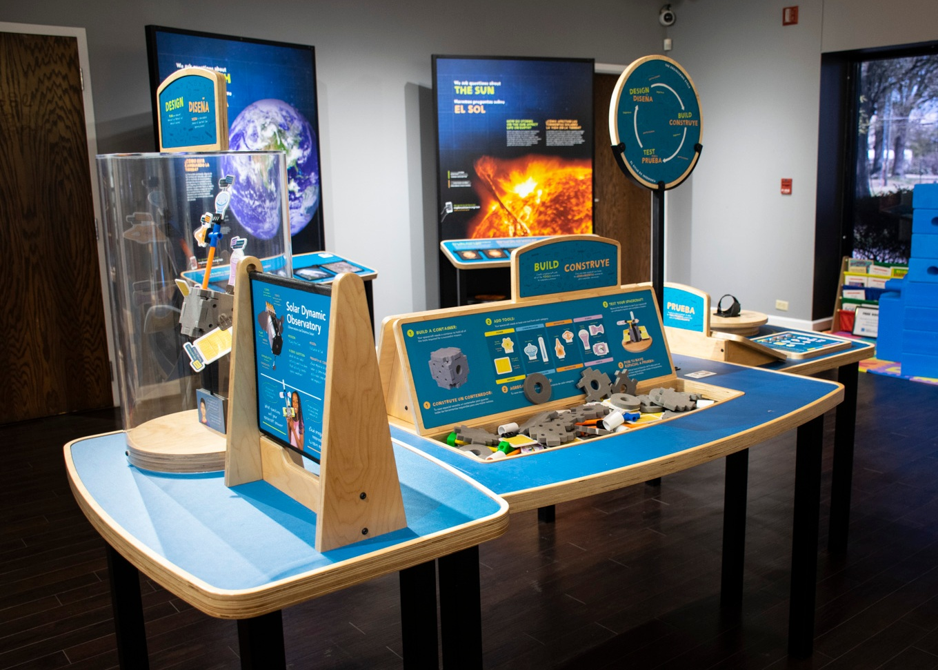 Design, build, and test your own spacecraft model that has key tools needed to complete a NASA mission at the Design>Build>Test station.
