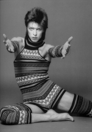 Bowie as Ziggy in 1973 costumed by Kansai Yamamoto and photographed © by Masayoshi Sukita