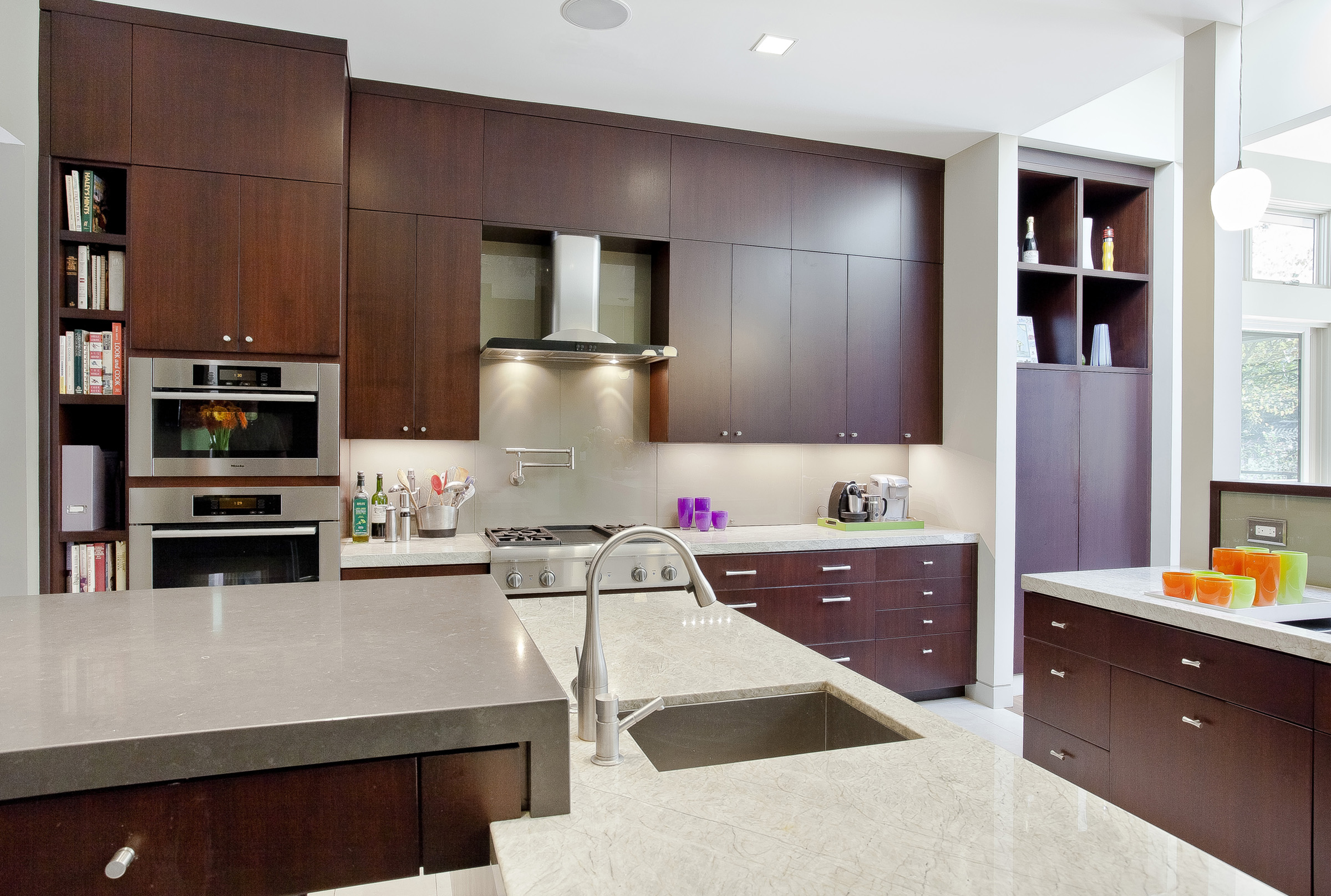 7 LaPrenda Kitchen.jpg