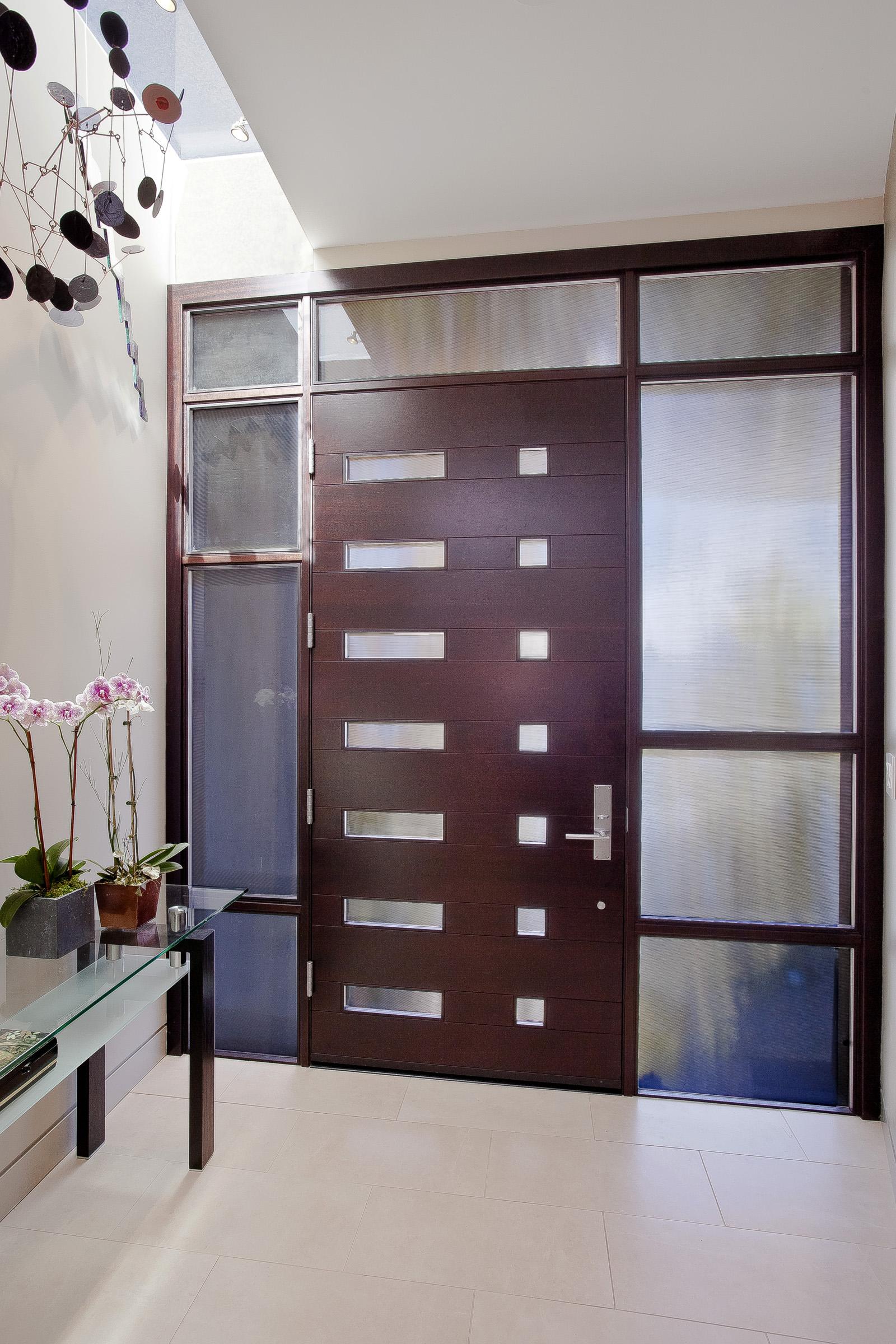15 La Prenda Front Door Interior.jpg