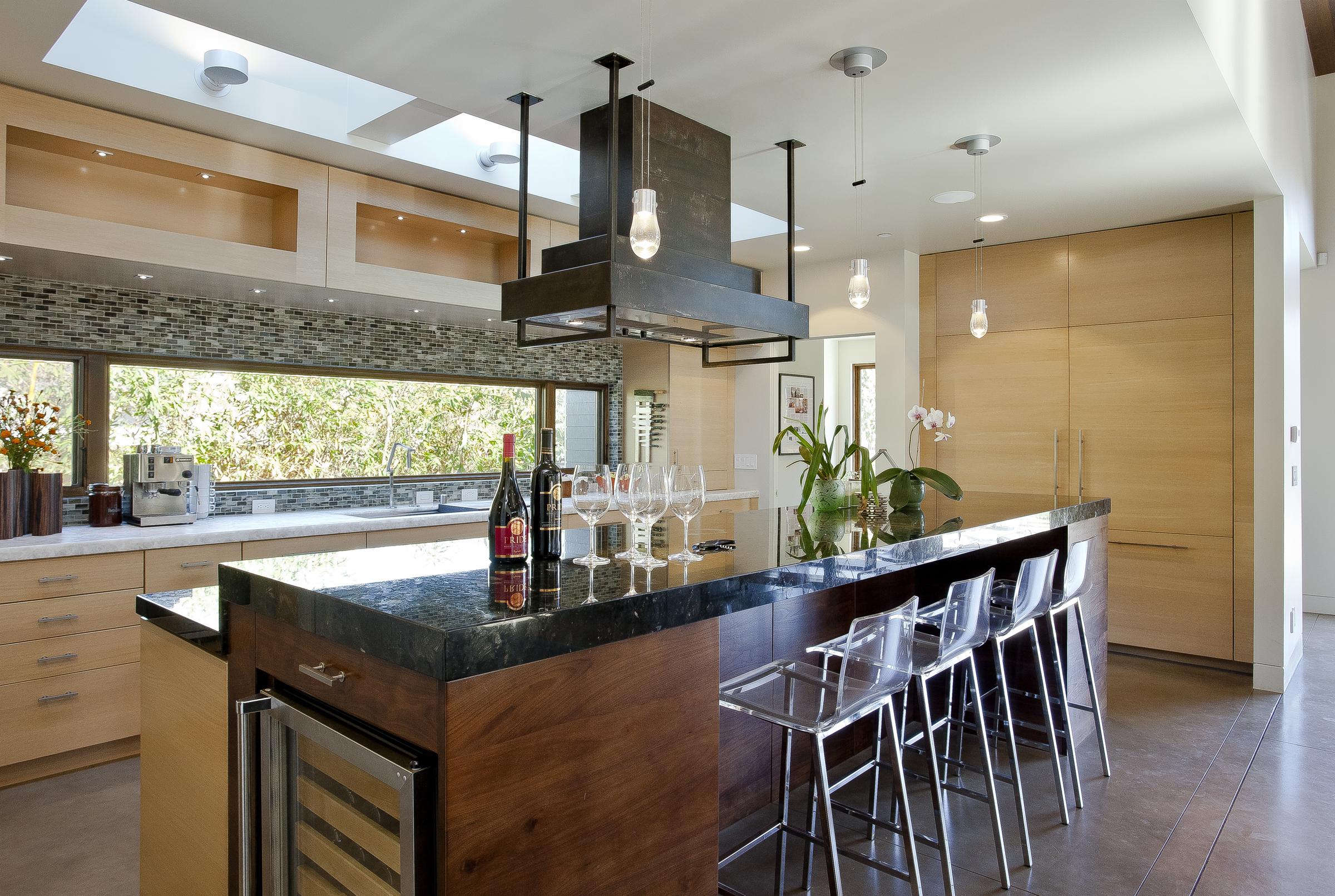 10-471 S. Clark Kitchen 2.jpg