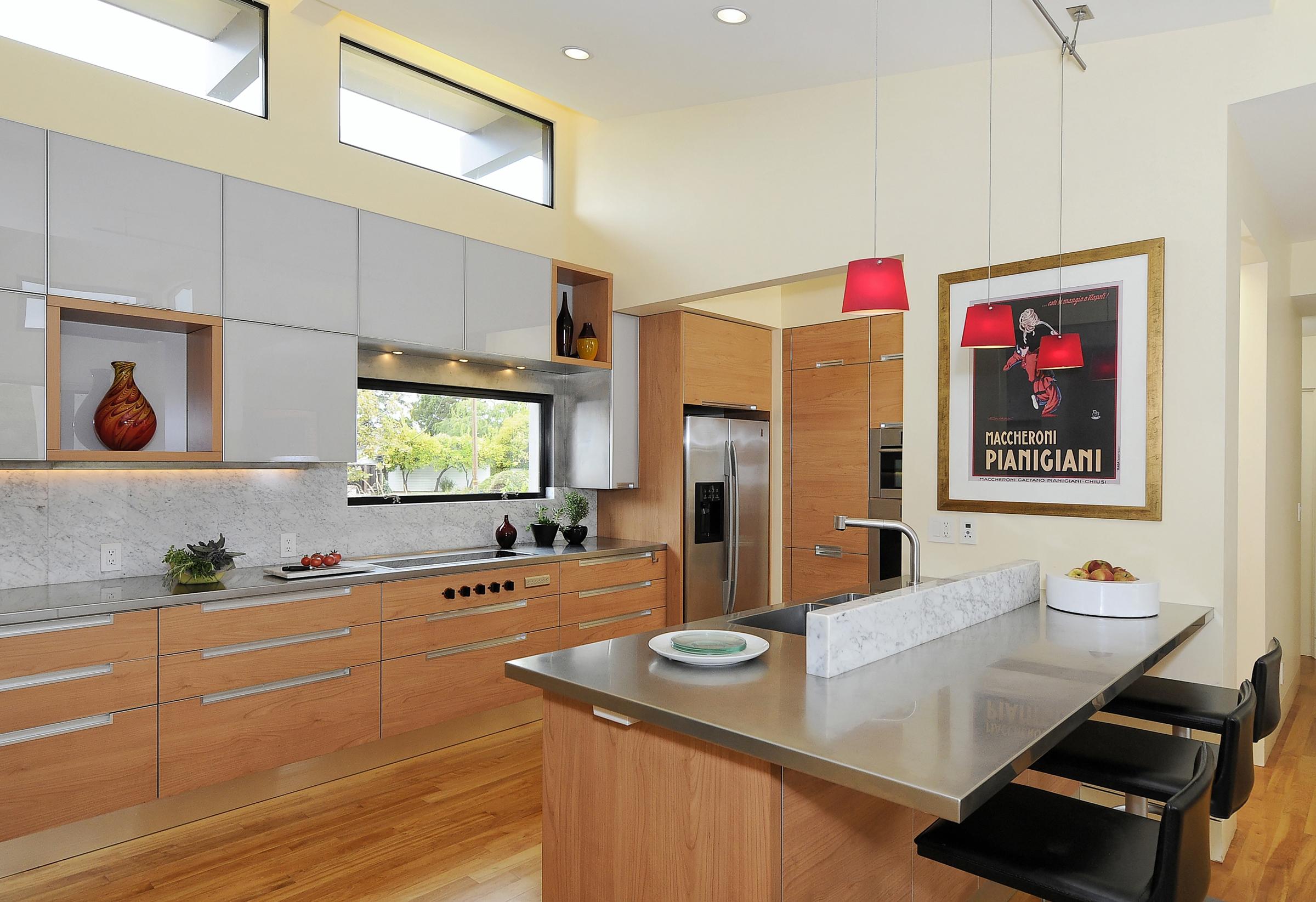 5 315 Alicia Kitchen.jpg